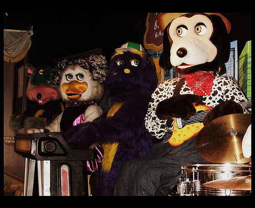 """Foxy And Chica—Scary Animatronics In """"Five Nights At"""